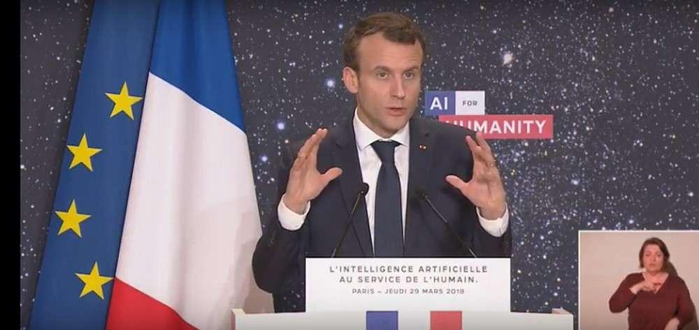 Le président de la République Emmanuel Macron lors de son allocution au Collège de France. © AI for Humanity