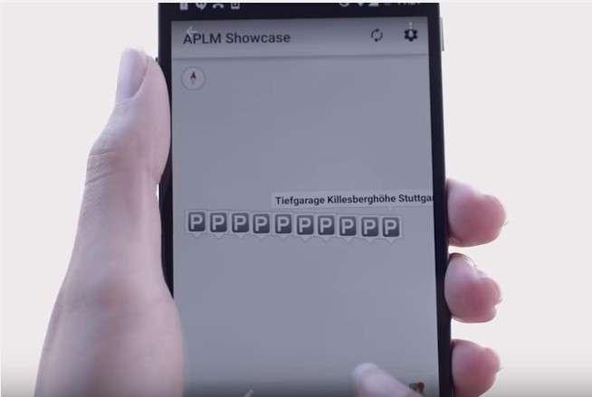 L'application mobile développée par Bosch permet aux automobilistes de consulter en temps réel sur une carte la disponibilité des places de parking dans la zone où ils veulent se rendre. © Bosch