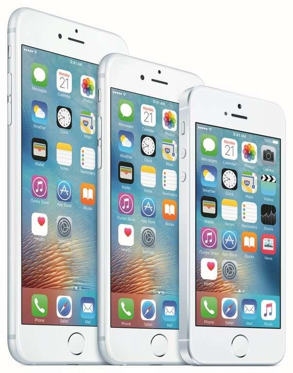 Au fil du temps, l'iPhone s'est agrandi mais aussi arrondi. © Apple