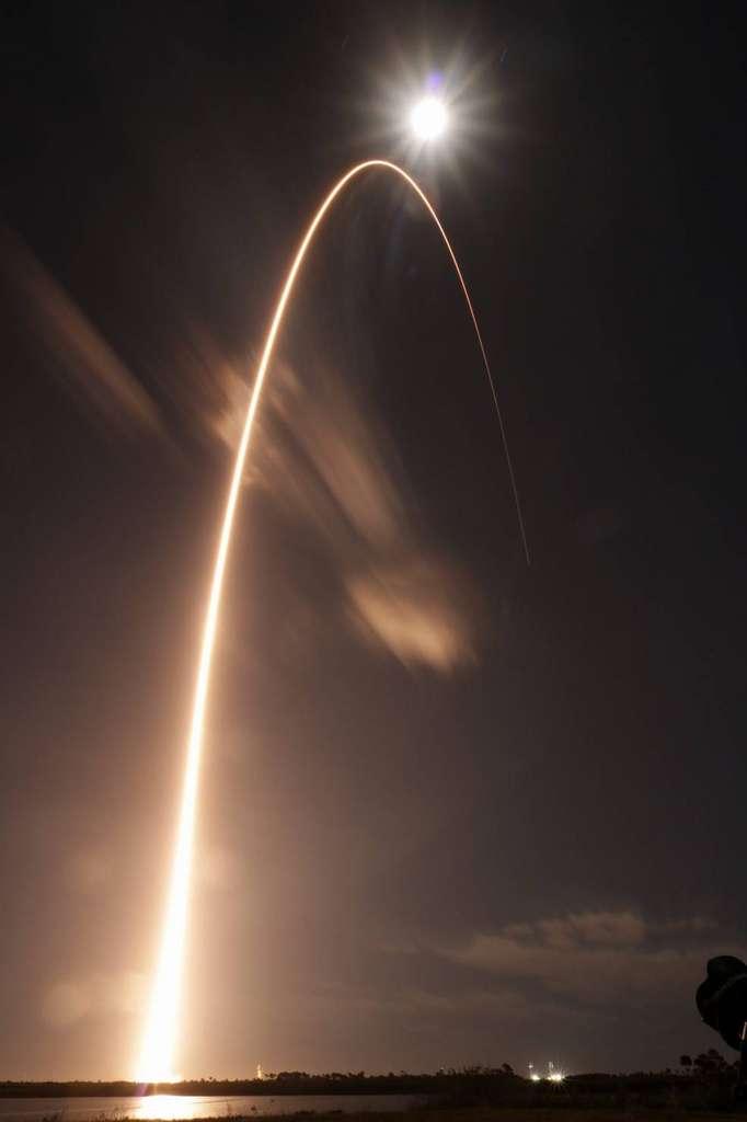 Photo magnifique du lancement de la mission Solar Orbiter pour étudier le Soleil depuis la station de Cape Canaveral Air Force en Floride le 9 février 2020.© ESA, Nasa