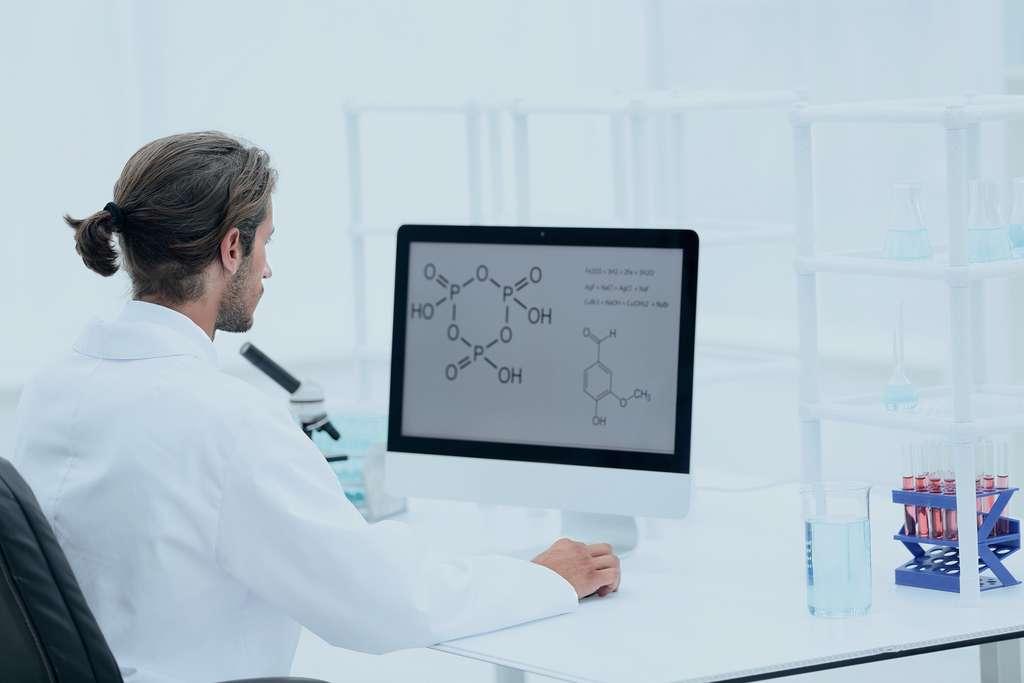Le bio-informaticien conçoit des logiciels pour analyser les résultats des recherches des chercheurs avec lesquels il travaille. © ASDF, Fotolia.