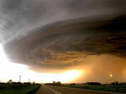 Cyclone. © DR, reproduction et utilisation interdites