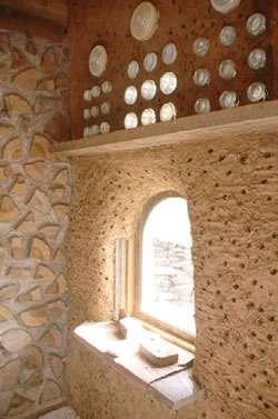 Le bois cordé donne du caractère aux intérieurs. © Clarke Snell