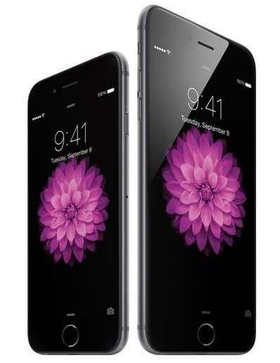 Quelque peu éclipsés par l'annonce de l'Apple Watch, l'iPhone 6 et 6 Plus n'en marquent pas moins une transition importante avec pour la première fois deux tailles d'écran (4,7 et 5,5 pouces). Objectif : répondre à la tendance des phablettes que proposent tous les principaux concurrents d'Apple… © Apple
