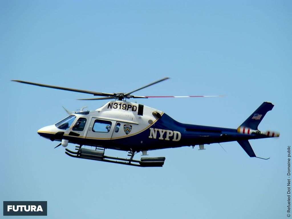 Hélicoptère de patrouille New York