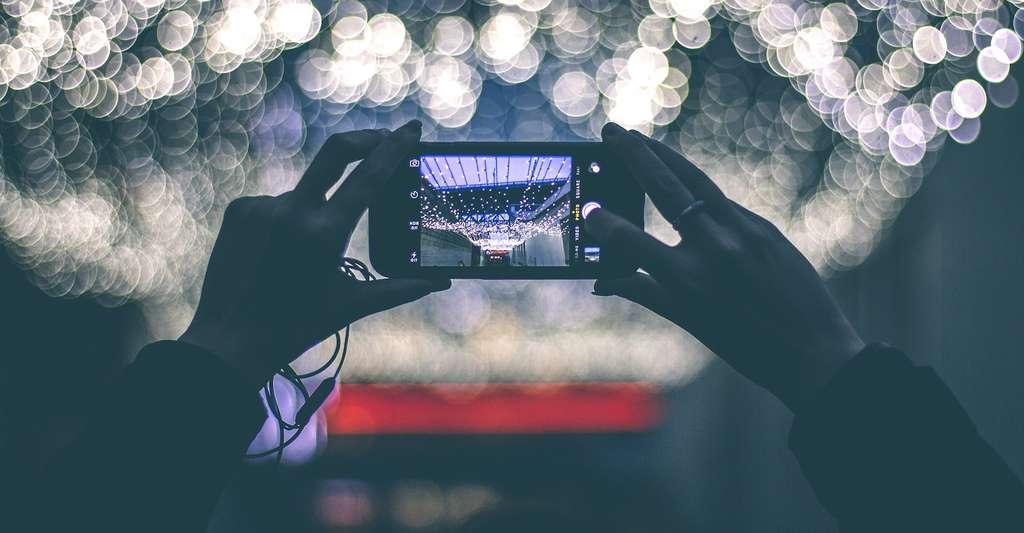 Les capteurs photo de certains smartphones sont recouverts de verre de saphir. © Free-Photos, Pixabay, CC0 Creative Commons