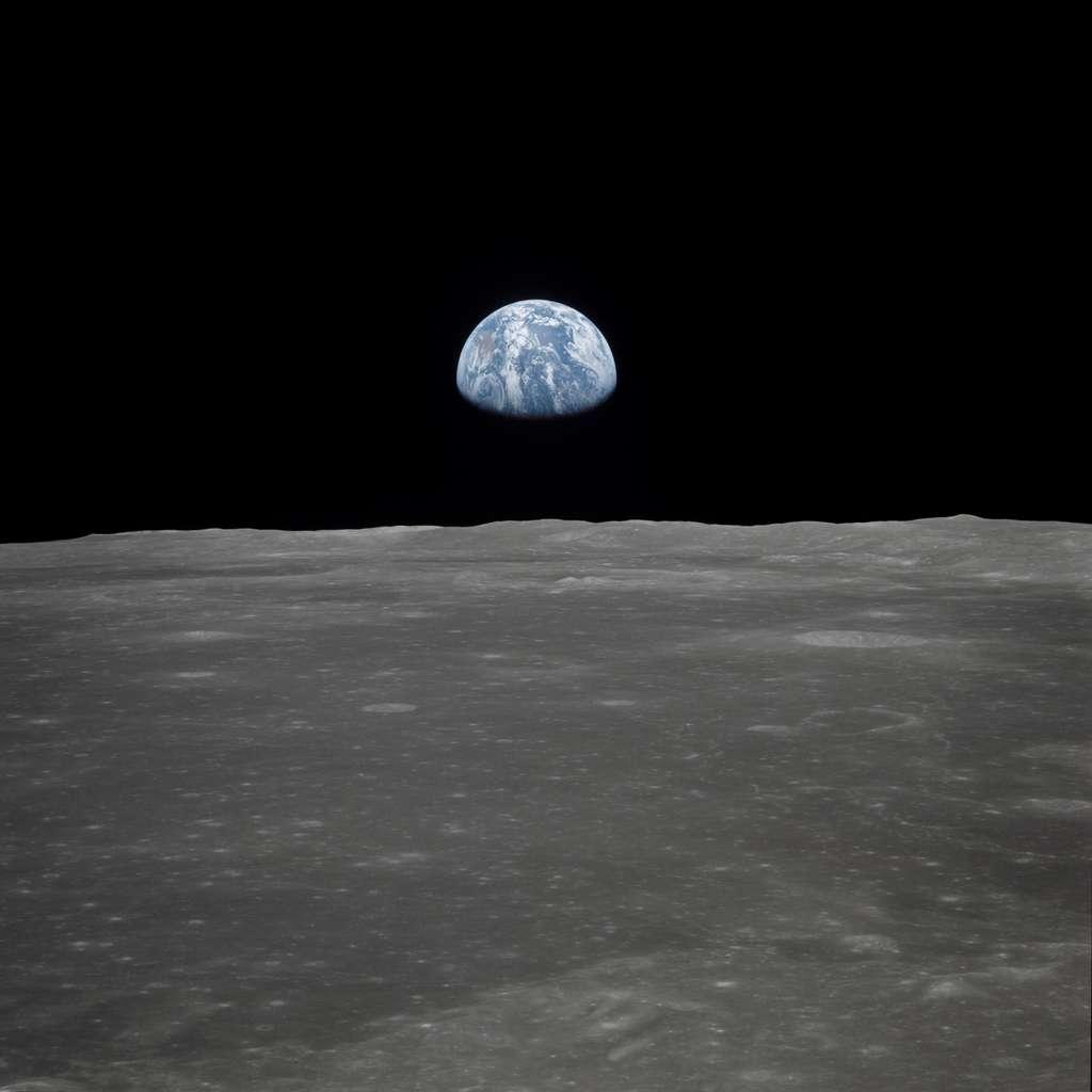 Lever de Terre au-dessus de la Lune