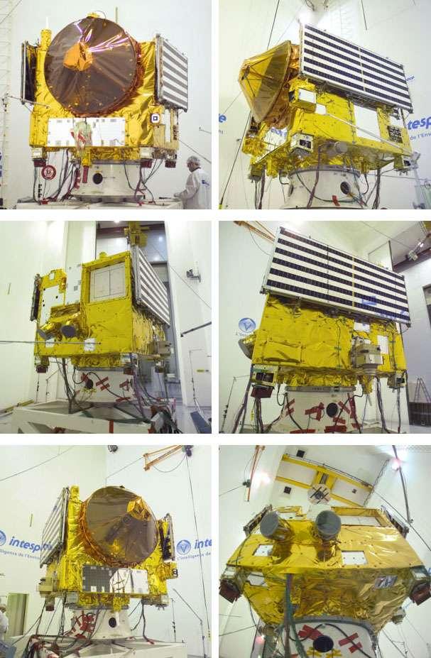 Venus Express dans les locaux de Intespace (Toulouse, France). D'une masse de 1.240 kg dont 93 kg de charge utile et environ 570 kg d'ergols, Venus Express mesure 1,5 X 1,8 X 1,4 m. Elle a une envergure d'environ 8 m une fois ses panneaux solaires déployés. Elle a été construite par EADS Astrium (aujourd'hui Airbus Espace) autour de la même plateforme que celle de Mars Express. © Esa, S. Corvaja