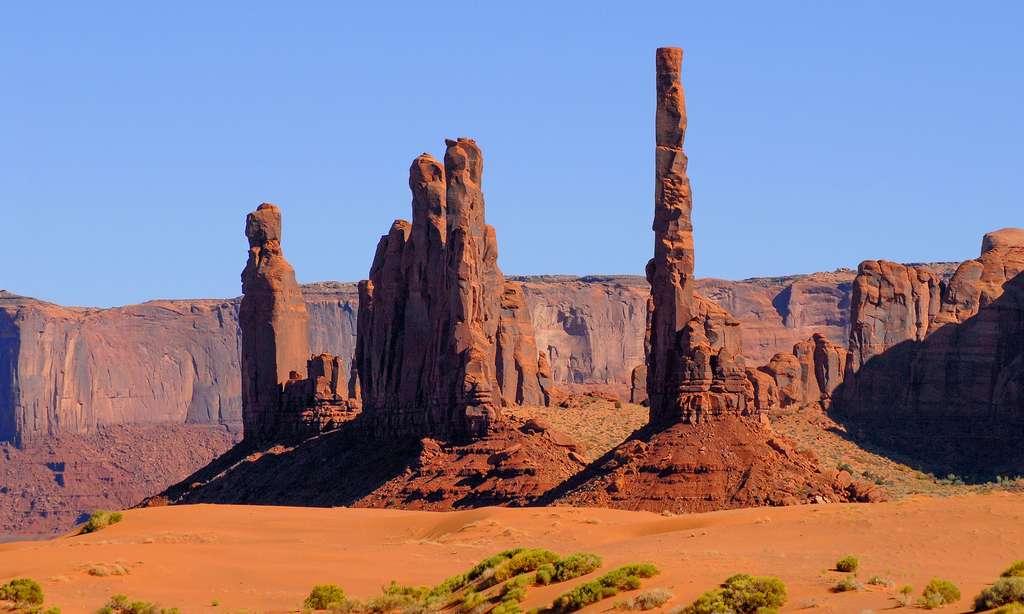 Vue sur les rochers de Monument Valley le long de Valley Drive. © Antoine - Tous droits réservés