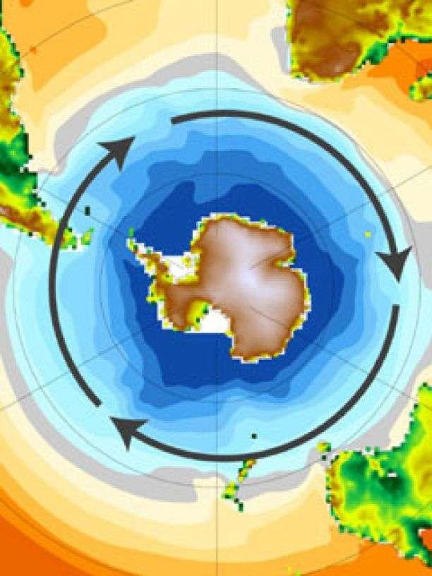 Le continent antarctique est encerclé par des vents d'ouest, représentés sur cette figure par les flèches noires. Les couleurs indiquent la température de l'océan, du bleu pour la plus froide à l'orange pour la plus chaude. © Paul J. Goodman, University of Arizona