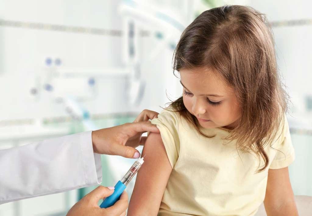 Moderna débute un essai clinique pour tester la sécurité et la réactogénicité de son vaccin anti-Covid sur les enfants. © BillonPhotos.com, Adobe Stock