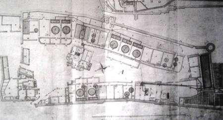 Plan partiel des salines avec les emplacements des grandes poêles. © DR