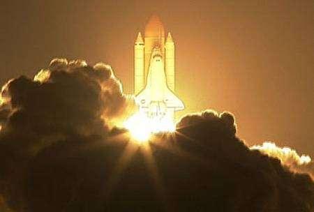 Décollage d'Endeavour pour la mission STS-126 le 15 novembre 2008. Crédit Nasa