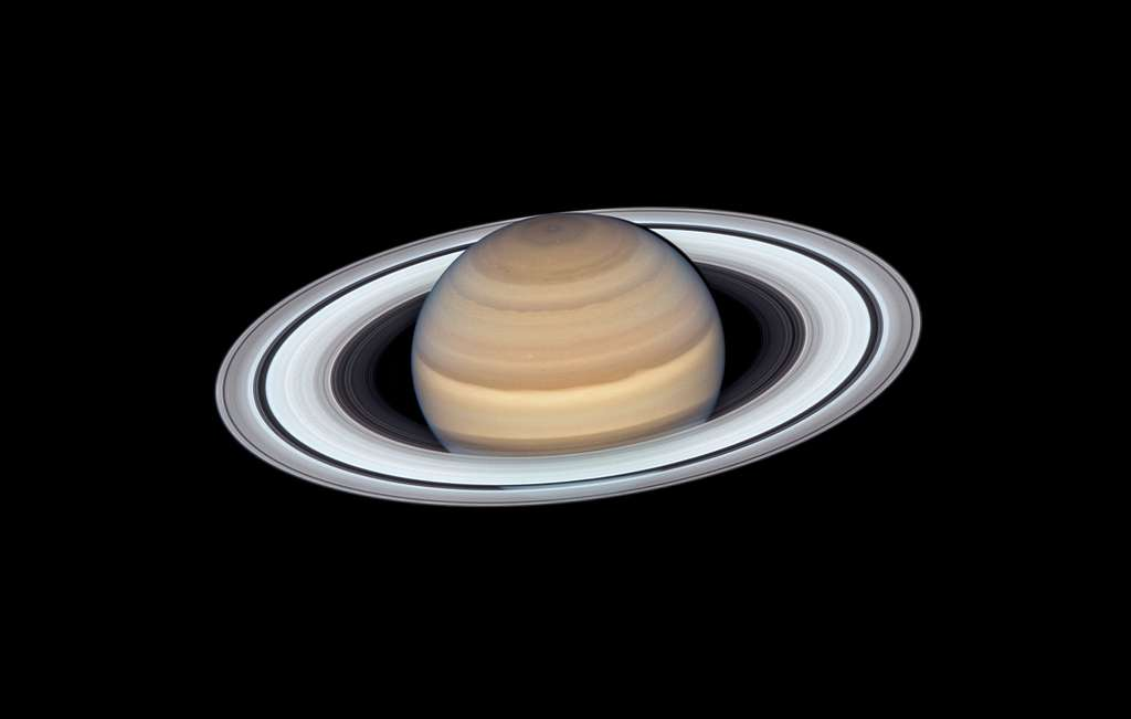Saturne vue par le télescope spatial Hubble lorsqu'elle était au plus près de la Terre le 20 juin 2019. Téléchargez l'image en haute résolution ici. © Nasa, ESA, A. Simon (Goddard Space Flight Center), et M.H. Wong (University of California, Berkeley)