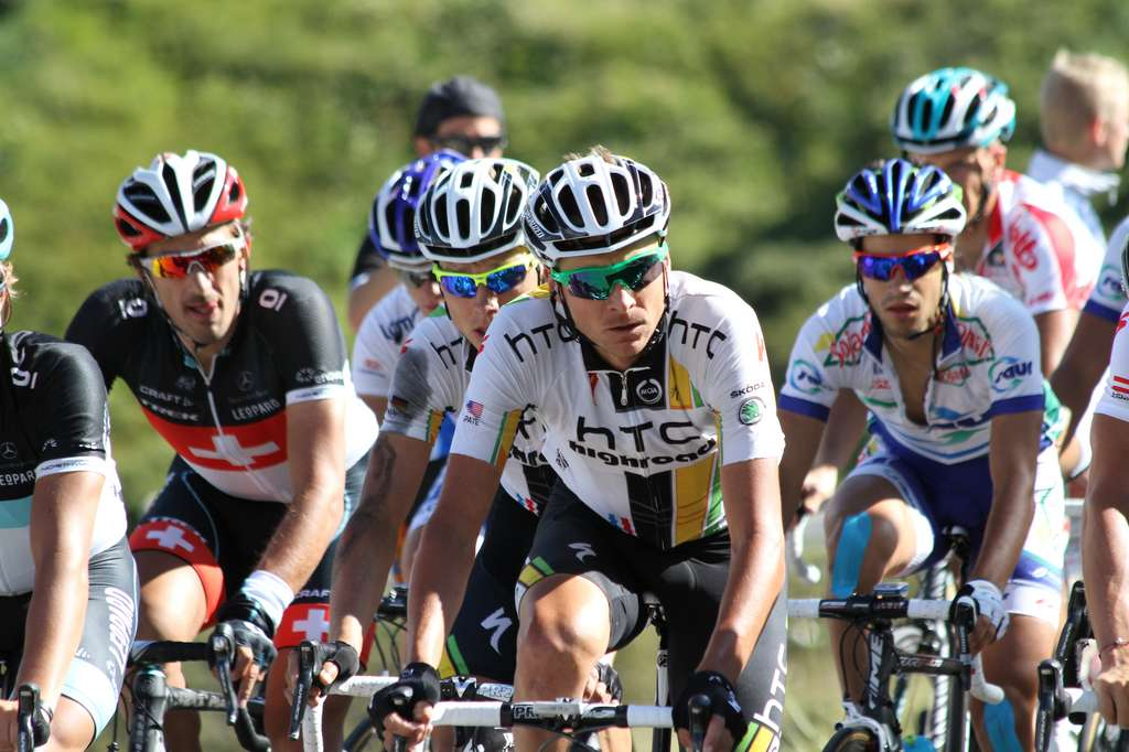 Le Tour de France, une épreuve de trois semaines qui brûle les calories à un rythme insoutenable au long terme. © charel.irrthum, Flickr