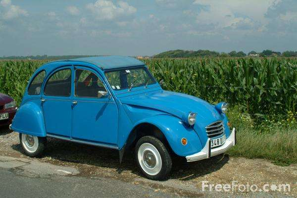 Aucune voiture d'aujourd'hui n'est aussi efficace énergétiquement que la 2 CV ! © FreeFoto