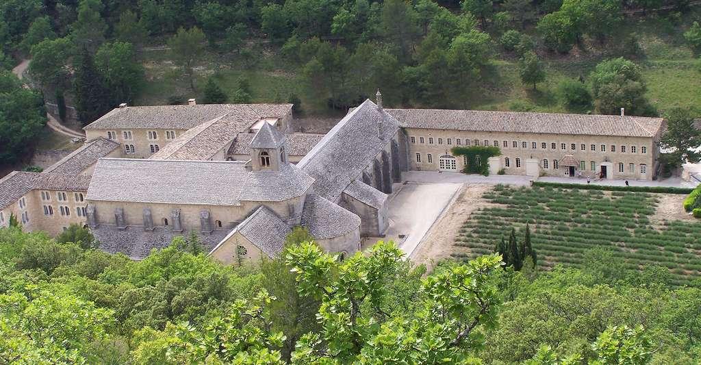 Vue aérienne de l'Abbaye de Sénanque. © Abbaye de Sénanque, Wikimedia commons, DP