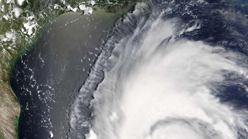 L'ouragan Emily dans le golfe du Mexique