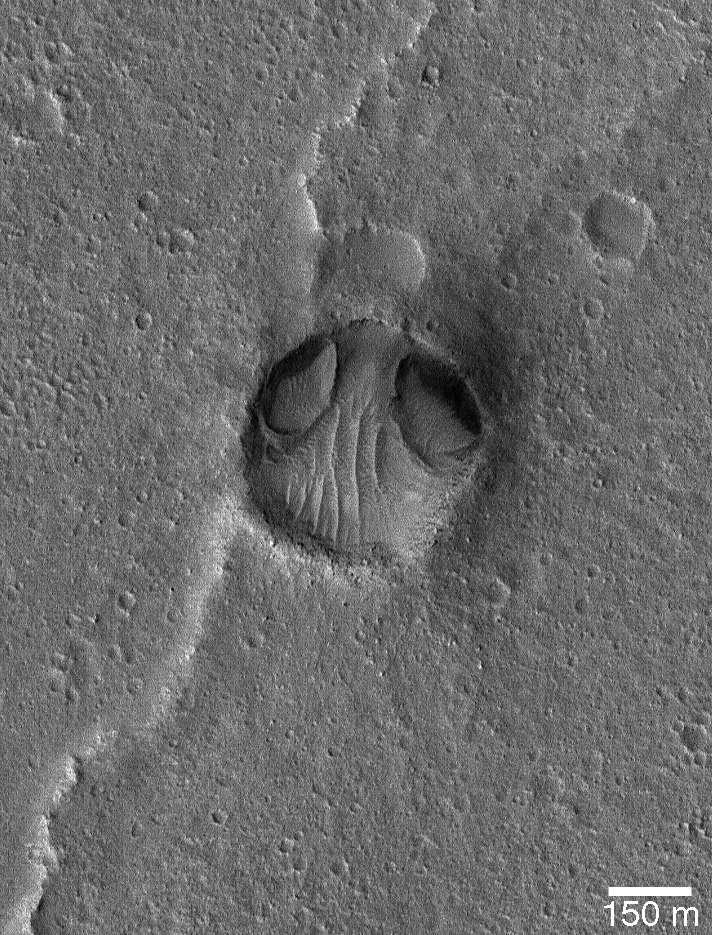 Tête d'alien sur Mars