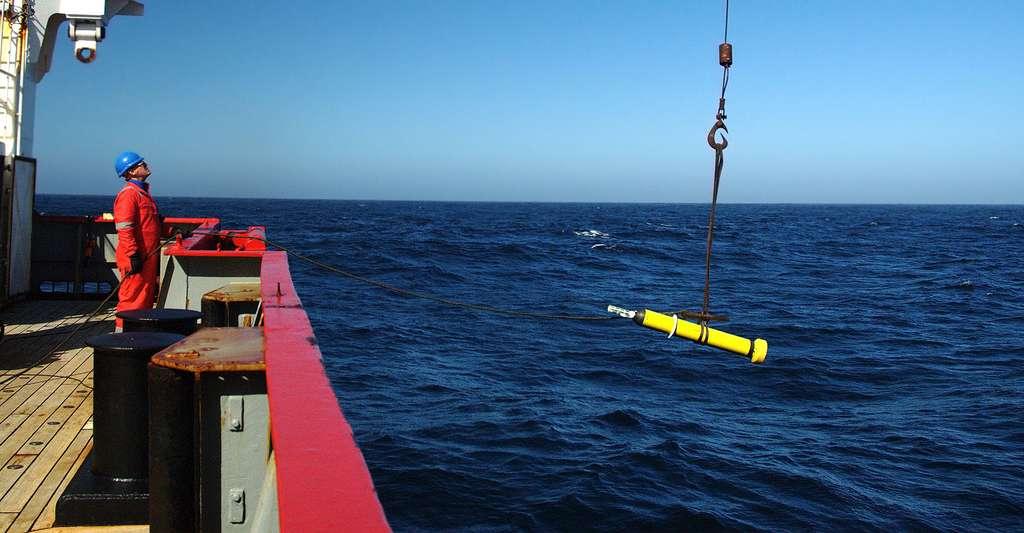 Mesurer les variations thermiques de l'océan. © fruchtzwerg's world, Flickr CC BY-NC 2.0