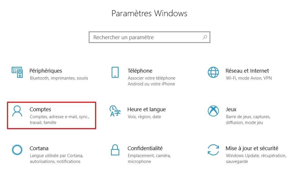 Allez dans les paramètres des « Comptes ». © Microsoft