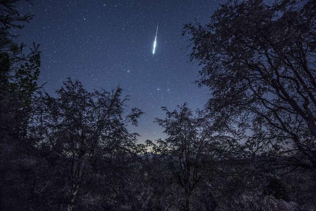 Étoile filante dans le ciel du Japon, le 28 avril 2019. © Kouji Ohnishi, Spaceweather