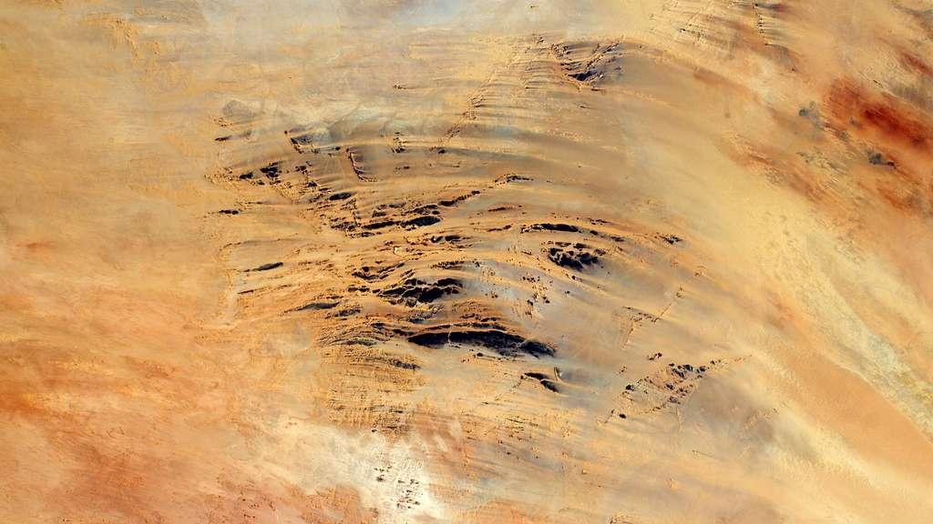 Un autre tableau du désert vu de l'espace