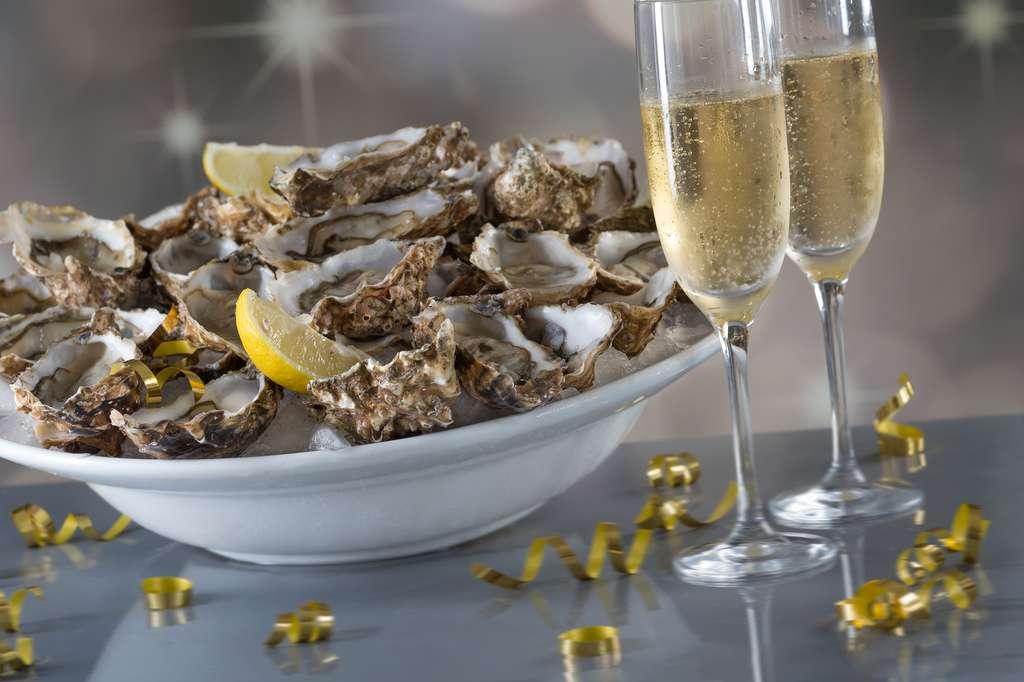 Huîtres et champagne au menu des réveillons. © JPC-PROD, fotolia