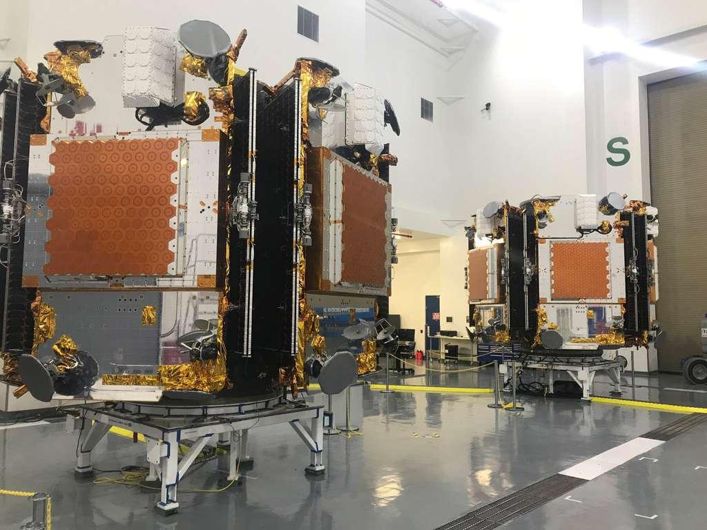 Ce ne sera pas la première fois que SpaceX utilise des dispensers. Depuis janvier 2017, la société d'Elon Musk est en charge du lancement des 72 satellites de la constellation IridiumNEXT au rythme de 10 satellites à chaque fois. Cette constellation compte 81 satellites mais 9 sont en réserve au sol. © Iridium