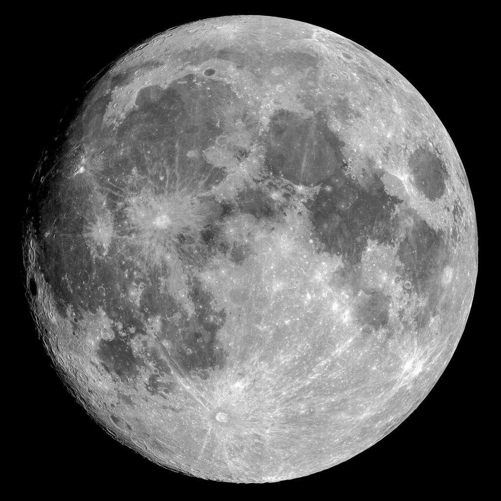Une image de la Lune acquise par le satellite Pléiades Neo 3 le 23 juin 2021. C'est presque la Pleine Lune et elle est presque au périgée. © Pléiades Neo, Airbus DS 2021