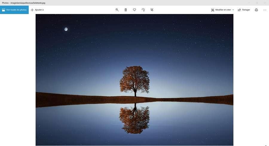 Il est impossible de deviner que l'image contient un fichier caché. © Bessi de pixabay