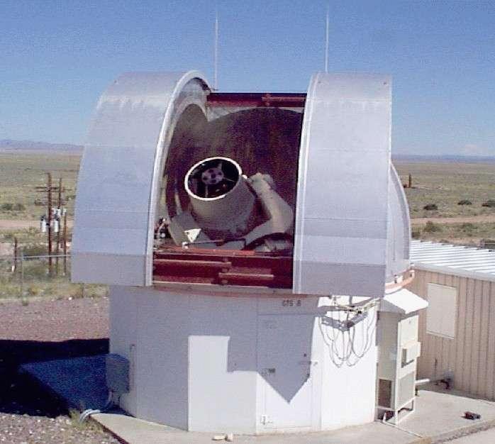 L'un des télescopes du réseau de surveillance Linear. Crédit Lincoln Laboratory