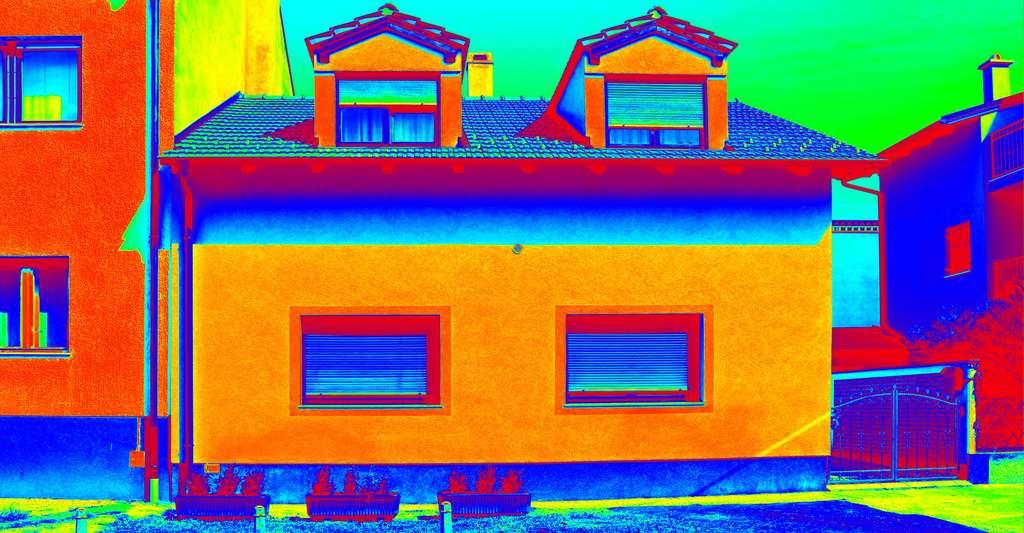 Vision thermique d'une maison et ses déperditions de chaleur. © Ivan Smuk, Shutterstock
