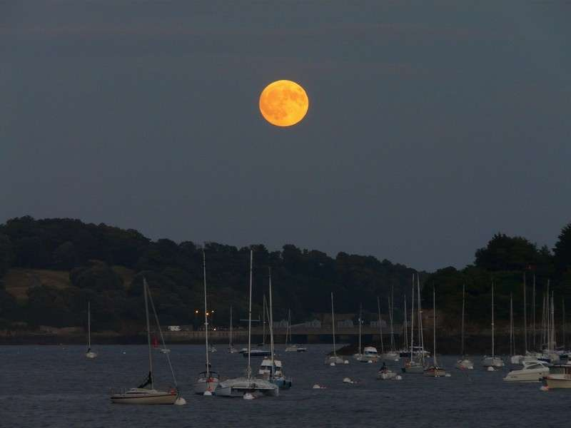 Lever de Pleine Lune en Bretagne