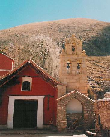 Chapelle de l'hacienda coloniale de Cayara (Département de Potosi, Bolivie). … © Stefania Mellace - Alain Gioda / IRD - Carlos Serrano. - Reproduction et utilisation interdites
