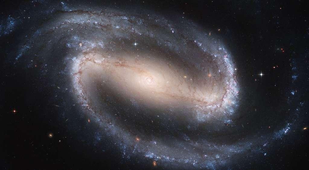La galaxie spirale barrée NGC 1300
