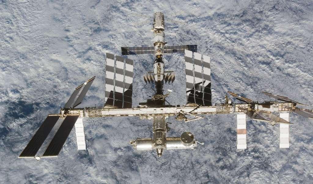 Les 3 laboratoires scientifiques de l'ISS en juin 2008