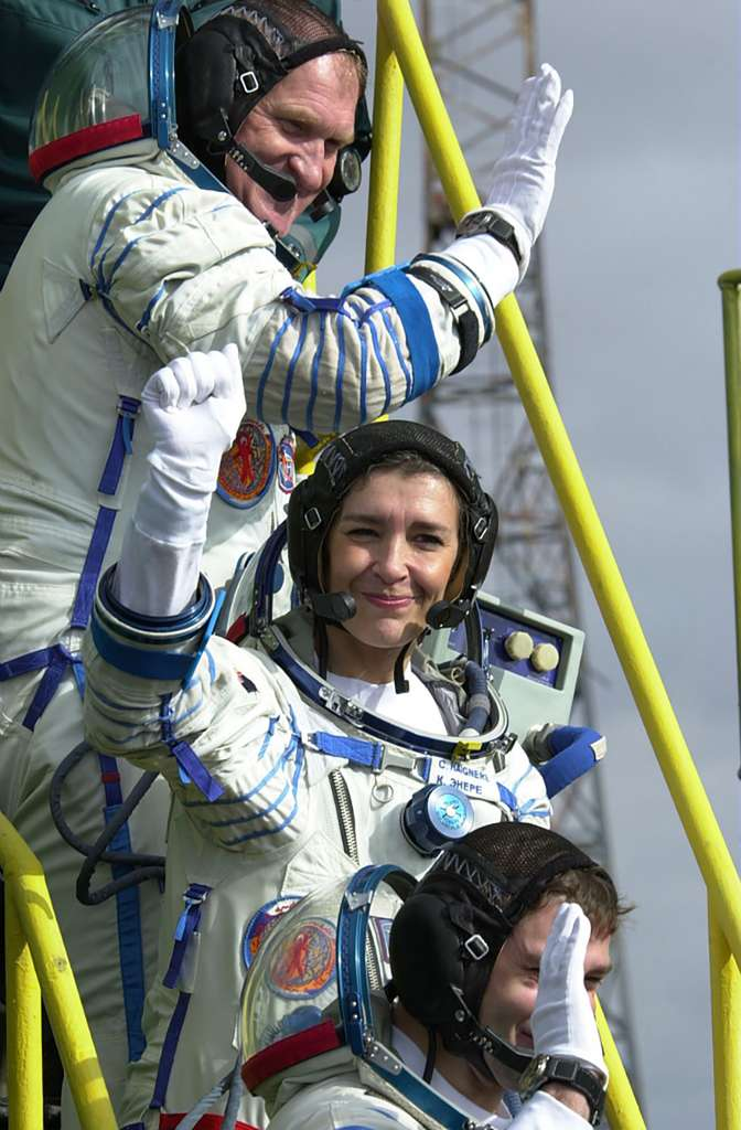 Claudie Haigneré, en 2001, prête à embarquer à bord d'une capsule Soyouz à destination de l'ISS pour un séjour de dix jours dans le cadre de la mission Andromède. © ESA, Cnes, S. Corvaja