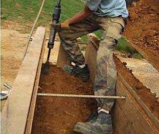 Travail au fouloir © AFPA, réseau Écobâtir