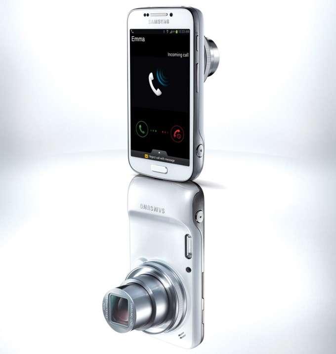 Avec le Galaxy S4 Zoom, Samsung tente le pari d'une nouvelle famille de smartphone sur la thématique de la photo. Une fonction sur laquelle les constructeurs se battent aujourd'hui pour tenter de se distinguer de la concurrence. © Samsung