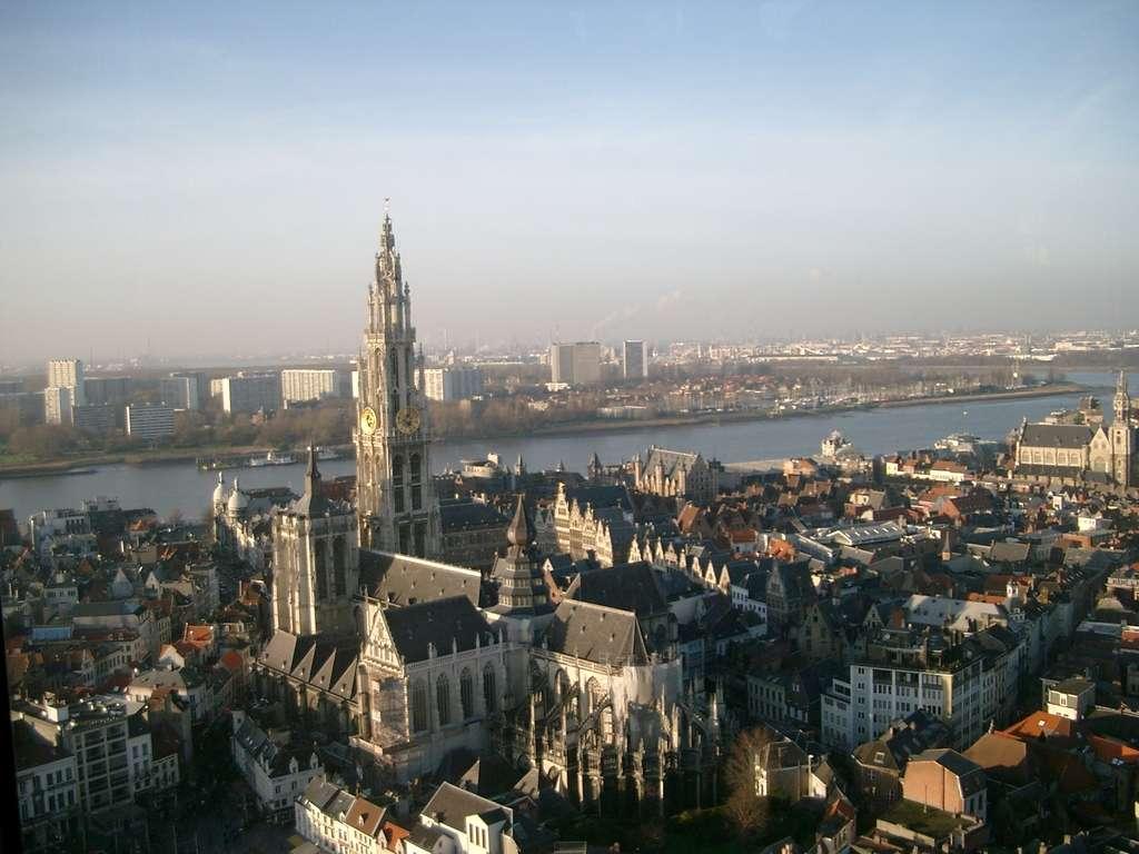 La ville d'Anvers est célèbre pour son musée du diamant mais aussi pour sa cathédrale Notre-Dame, ici sur la photo. © Fuss, Wikimedia Commons, CC by-sa 3.0