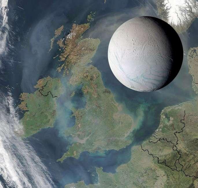Encelade est vraiment une petite lune de Saturne comme on peut le voir sur cette image donnant l'échelle de sa taille en comparaison avec les îles britanniques. Expliquer d'où elle tire l'énergie qui la rend active n'est pas une mince affaire. © Nasa, JPL