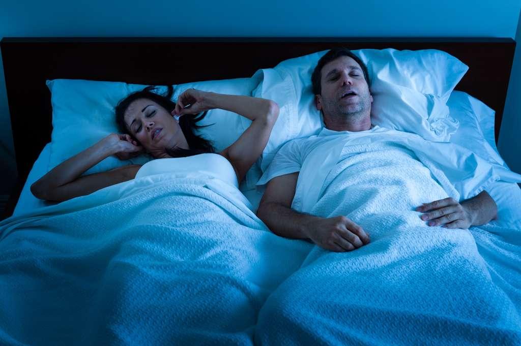 Sédentaire et devant la tv plus de quatre heures par jour ? L'apnée du sommeil vous guette. © Eric Hood, Adobe Stock
