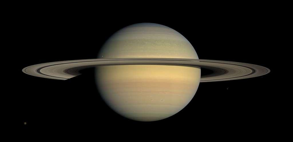 Vue en couleurs naturelles de la planète Saturne, créée d'après des images recueillies par la sonde spatiale Cassini. © Nasa, JPL, Space Science Institute, Wikimedia commons, DP