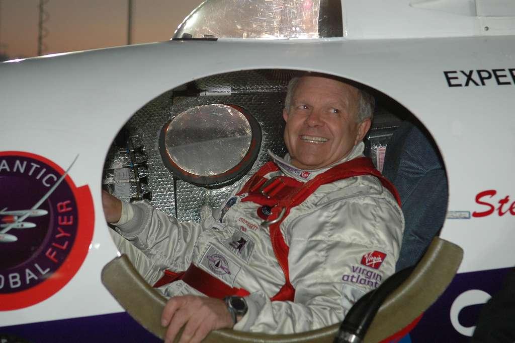 Steve Fossett à bord du GlobalFlyer. © NASA, Kim Shiflett, DP, Wikipedia Commons