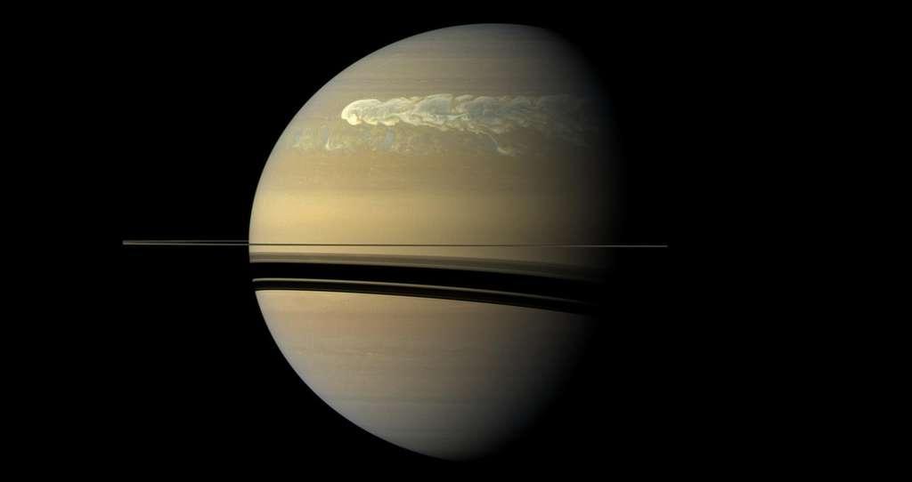 Une tempête géante sur Saturne