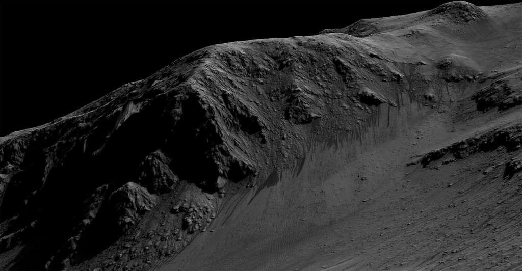 Des traces d'écoulements récents ont depuis longtemps été repérées à la surface de Mars sur les pentes inclinées de certains cratères. De nouvelles analyses montrent qu'il s'agit de saumure. Il serait intéressant d'y envoyer un rover pour les étudier plus en détail. © Nasa/JPL, Caltech/Univ. of Arizona