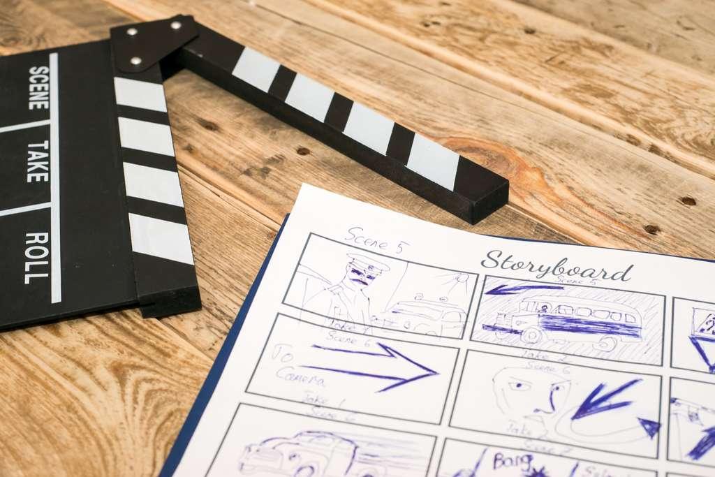 Planifier le déroulement d'une vidéo avant de la tourner est une excellente pratique. Réaliser un storyboard, même approximatif, va aider à définir les plans qu'il est bon de filmer ensuite. © Saikorn, Adobe Stock