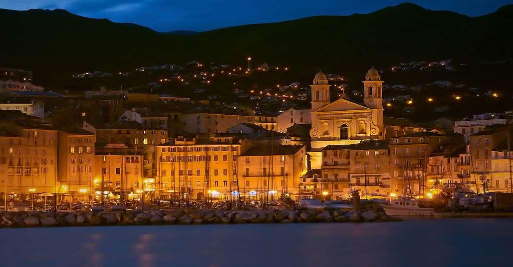 Le vieux-port de Bastia. © Jean-Michel Raggioli, Wikimedia commons, CC by-sa 3.0