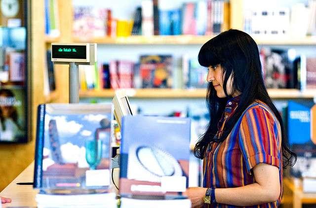 Un job étudiant ou un job d'été peut être l'occasion de lier l'utile à l'agréable. Travailler dans une librairie peut être une bonne idée pour tous les amoureux de lecture. © Thomas Hawk, Flickr, by-nc 2.0